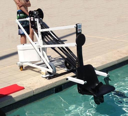 Unikart classique en bord de piscine